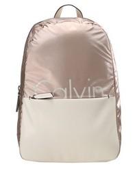 beige bedruckter Leder Rucksack von Calvin Klein