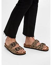 beige flache Sandalen aus Wildleder mit Leopardenmuster von Vero Moda