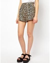 beige Shorts mit Leopardenmuster