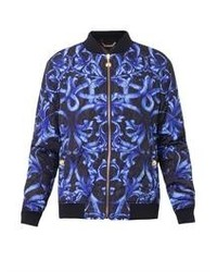 blaue bedruckte Jacke
