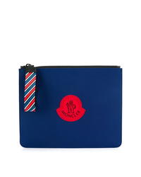 blaue bedruckte Leder Clutch Handtasche von Moncler