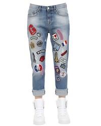 blaue bestickte Jeans
