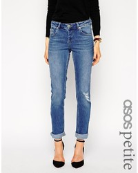 blaue Boyfriend Jeans mit Destroyed-Effekten von Asos
