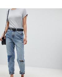 blaue Boyfriend Jeans mit Destroyed-Effekten von Asos Petite