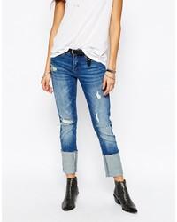 blaue Boyfriend Jeans mit Destroyed-Effekten von Blank NYC