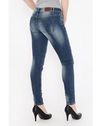 blaue enge Jeans mit Destroyed-Effekten von BLUE MONKEY