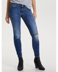 blaue enge Jeans mit Destroyed-Effekten von Only
