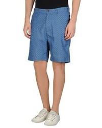 blaue gepunktete Shorts
