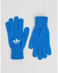 blaue Handschuhe von adidas