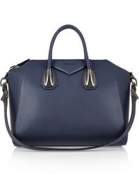 blaue Handtasche von Givenchy