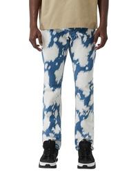 blaue Jeans mit Acid-Waschung