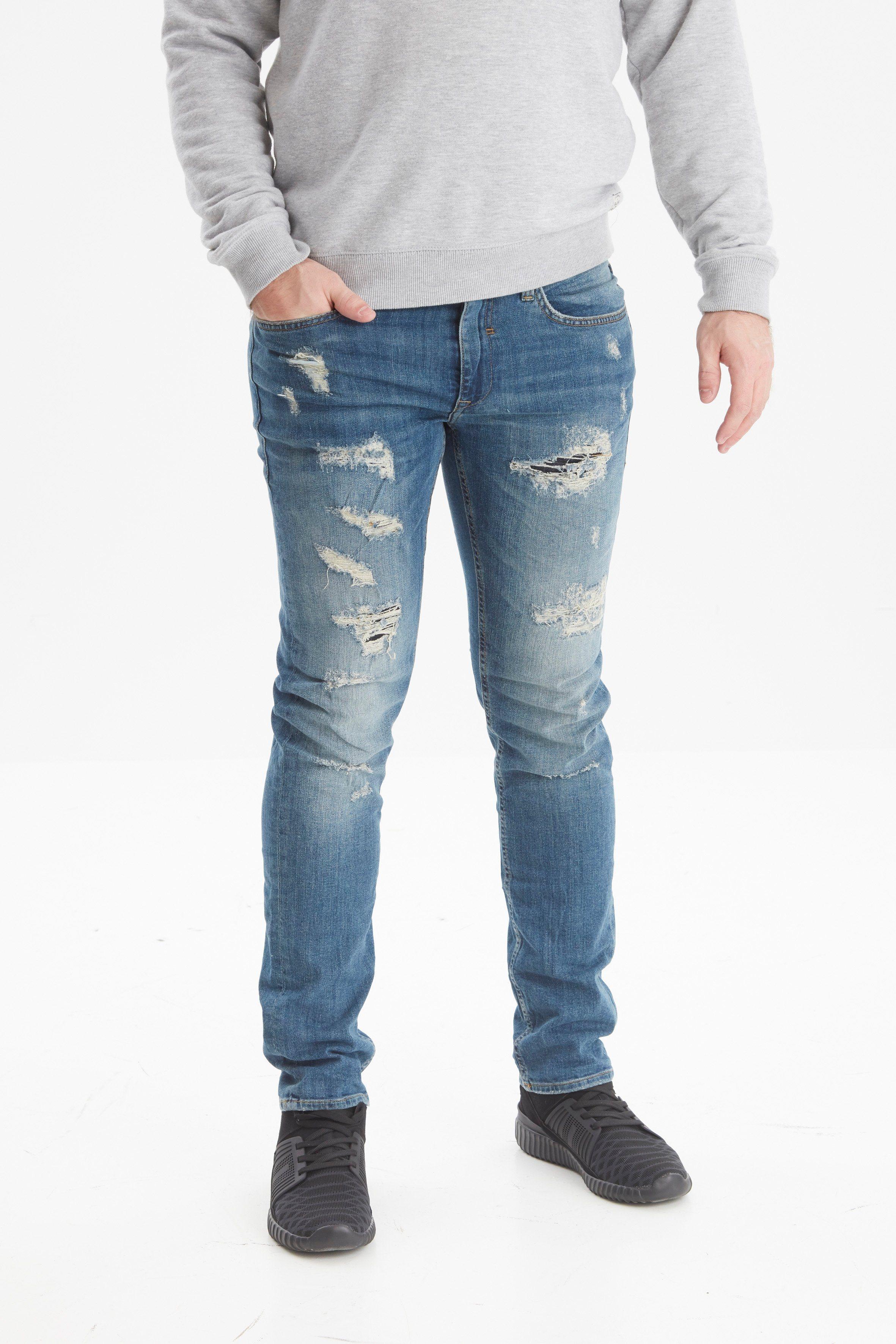 blaue Jeans mit Destroyed-Effekten von BLEND