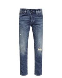 blaue Jeans mit Destroyed-Effekten von Camp David