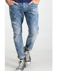 blaue Jeans mit Destroyed-Effekten von GARCIA