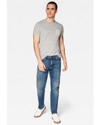 blaue Jeans mit Destroyed-Effekten von Mavi