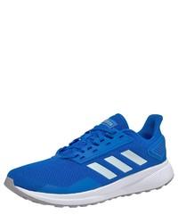 blaue Sportschuhe von adidas