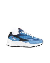 blaue Sportschuhe von Fila