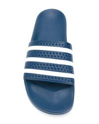 blaue Zehensandalen von adidas