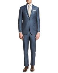 blauer Anzug mit Schottenmuster