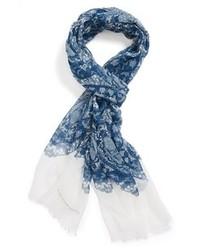 blauer bedruckter Schal