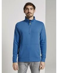 blauer Pullover mit einem Reißverschluss am Kragen von Tom Tailor