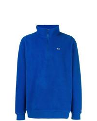 blauer Pullover mit einem Reißverschluss am Kragen von Tommy Jeans