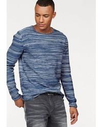 blauer Pullover mit einem Rundhalsausschnitt von John Devin