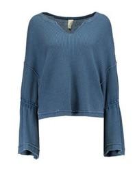 blauer Pullover mit einem V-Ausschnitt von Free People