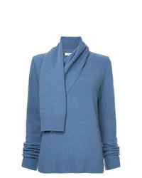 blauer Pullover mit einer weiten Rollkragen