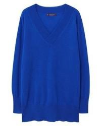 blauer Pullover mit einem V-Ausschnitt von Mango