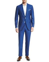 blauer vertikal gestreifter Anzug