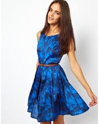 blaues bedrucktes Skaterkleid von Glamorous