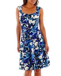 blaues Freizeitkleid mit Blumenmuster