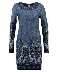 blaues Sweatkleid mit Paisley-Muster von Anna Field