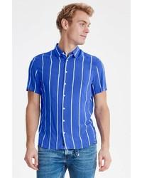 blaues vertikal gestreiftes Kurzarmhemd von BLEND