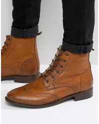 braune Brogue Stiefel aus Leder von Asos