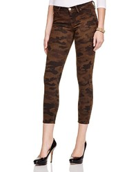 braune Camouflage enge Jeans