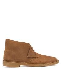 braune Chukka-Stiefel aus Wildleder von Clarks Originals