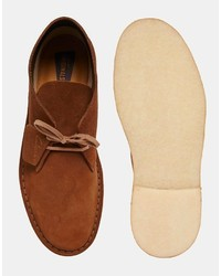braune Chukka Stiefel aus Wildleder von Clarks, €155 | Asos