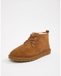 braune Chukka-Stiefel aus Wildleder von UGG
