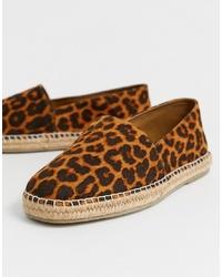 braune Espadrilles mit Leopardenmuster von ASOS DESIGN