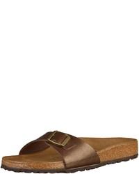 braune flache Sandalen aus Leder von Birkenstock