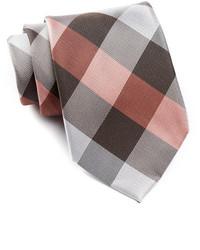 braune Krawatte mit Karomuster