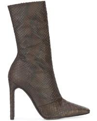 braune Leder Stiefeletten mit Schlangenmuster von Yeezy