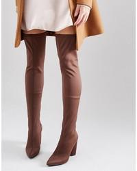 braune Overknee Stiefel von Missguided