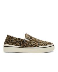braune Slip-On Sneakers aus Segeltuch mit Leopardenmuster von R13