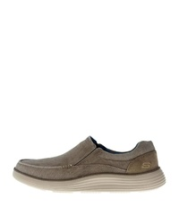 braune Slip-On Sneakers von Skechers