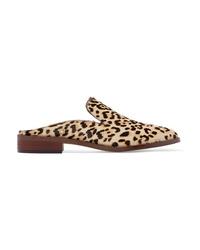 braune Slipper aus Kalbshaar mit Leopardenmuster