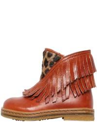 braune Stiefel aus Leder