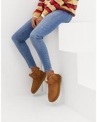 braune Ugg Stiefel von UGG